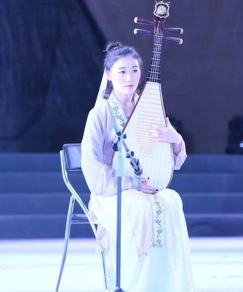 琵琶老师:罗雨婷